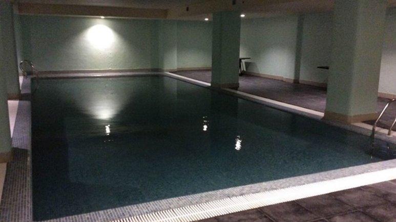 استخر هتل بوتانیک