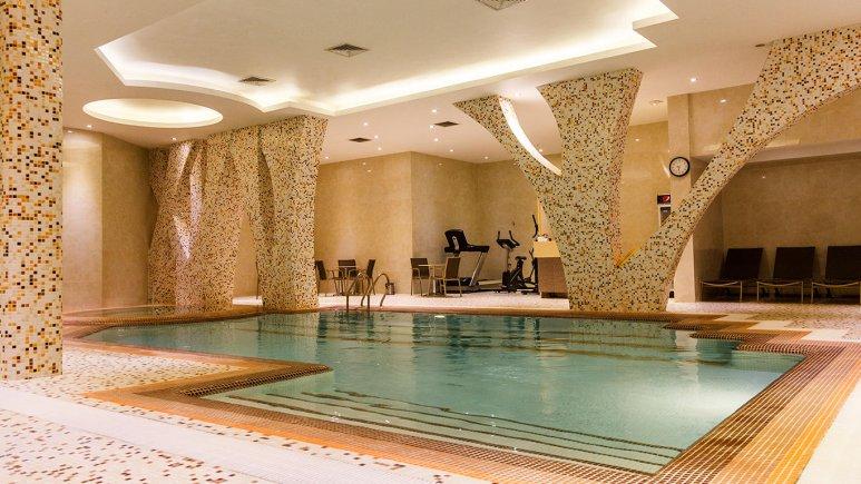 8669 هتل رویال شیراز