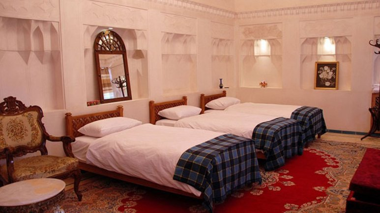 اتاق سه تخته هتل مهین سرای راهب