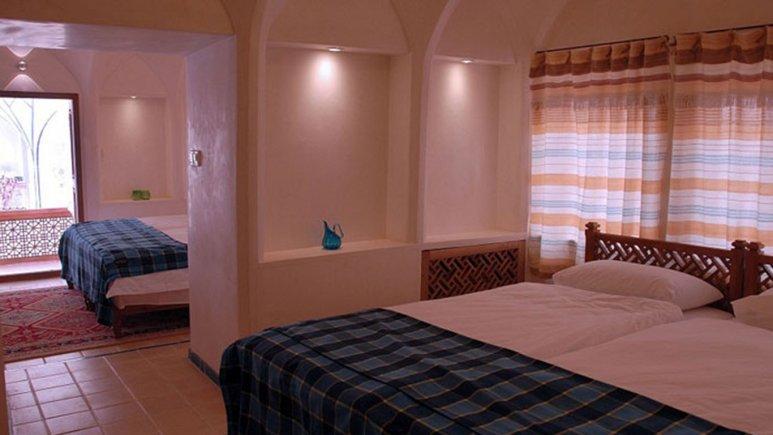 اتاق چهار تخته هتل مهین سرای راهب