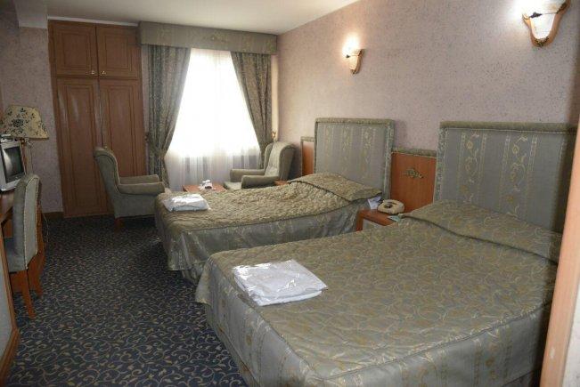 هتل ساحل ارومیه اتاق چهار تخته
