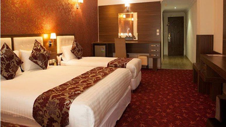 اتاق سه تخته هتل بام