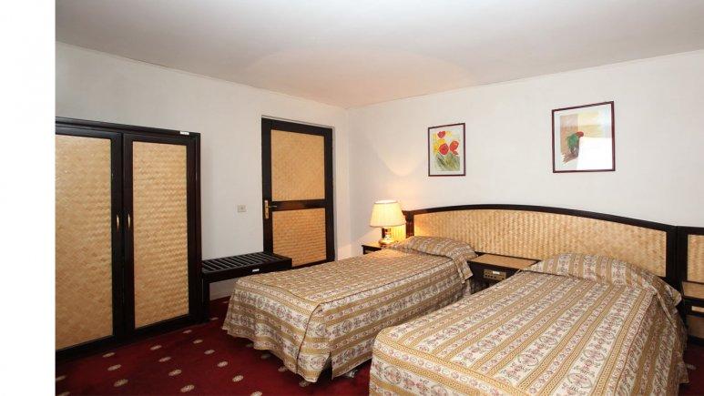 اتاق دو تخته تویین هتل پارس