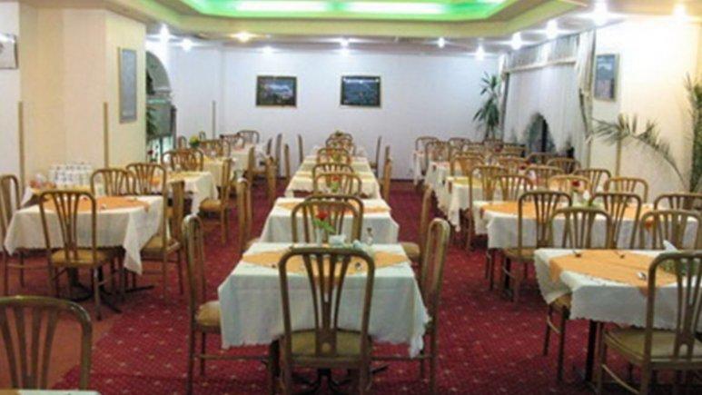 هتل پارسیان آزادی یاسوج رستوران