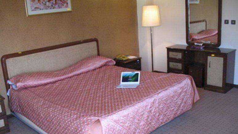 اتاق دو تخته دبل هتل پارسیان آزادی یاسوج
