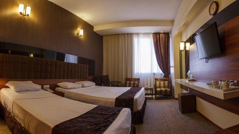 هتل سی نور مشهد اتاق سه تخته 2