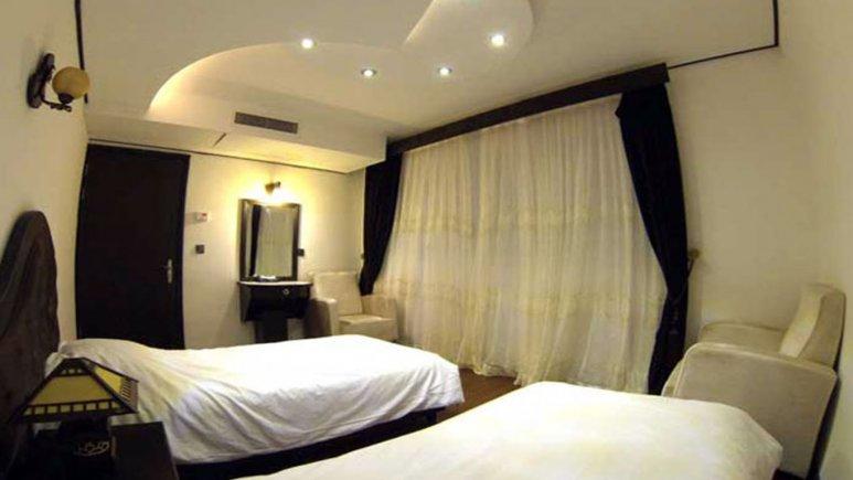 اتاق دو تخته تویین هتل کادوس