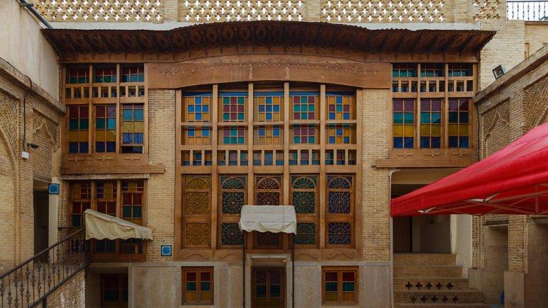 8593 هتل سنتی نیایش شیراز