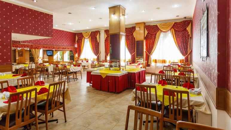 هتل پارسیان شیراز رستوران
