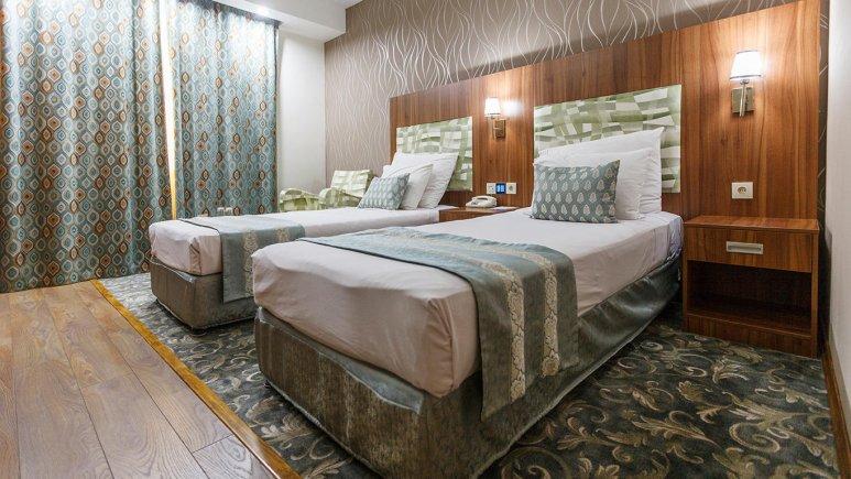 هتل پارسیان شیراز اتاق دو تخته تویین 2