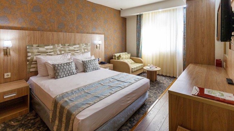 هتل پارسیان شیراز سوئیت سه نفره