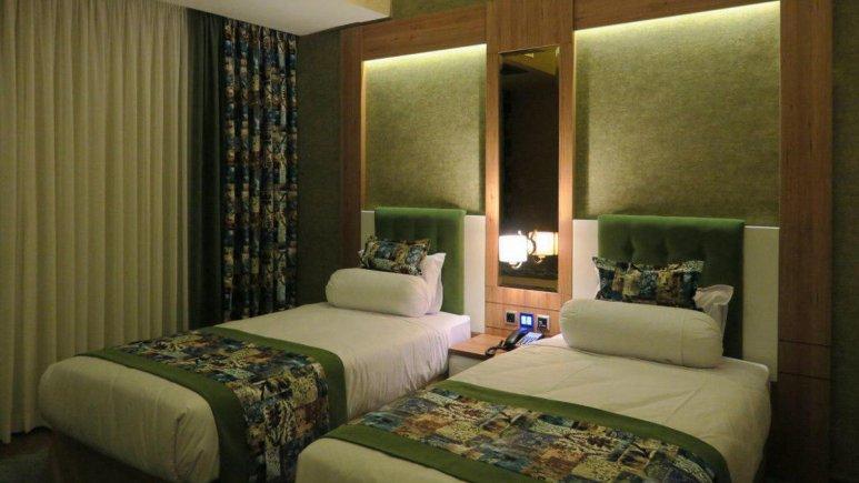 هتل پارسیان آزادی رامسر اتاق دو تویین 2