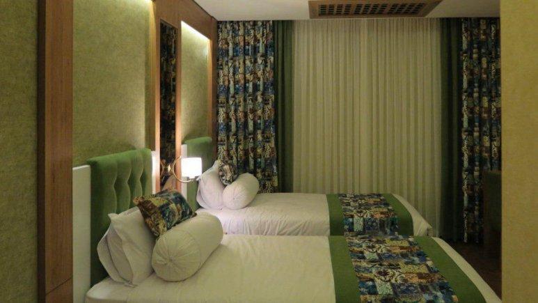 هتل پارسیان آزادی رامسر اتاق دو تویین 3
