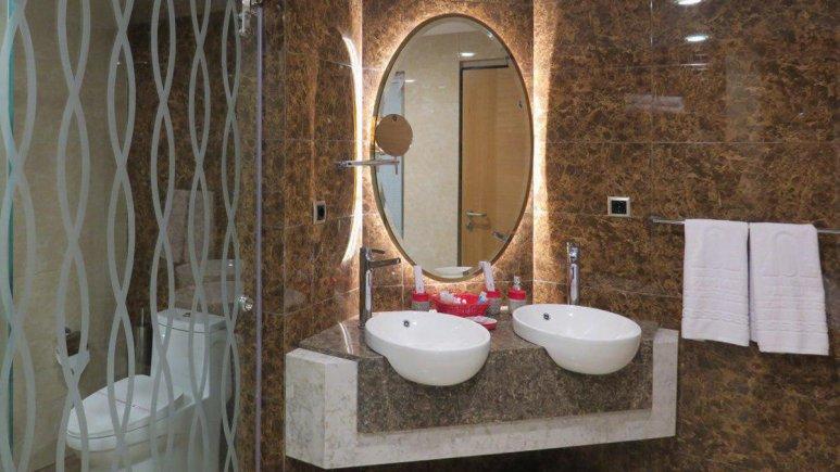 هتل پارسیان آزادی رامسر سرویس بهداشتی 2