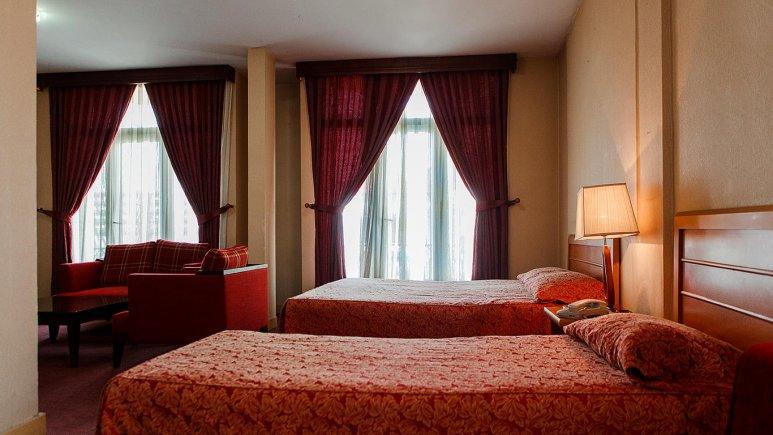هتل پاسارگاد تهران سوئیت سه تخته