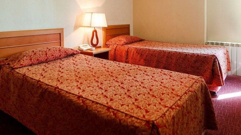 رزرو هتل ارزان قیمت در تهران / هتل دو ستاره ی پاسارگاد