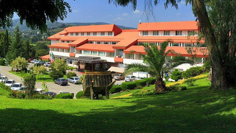 نمای بیرونی هتل سالار دره