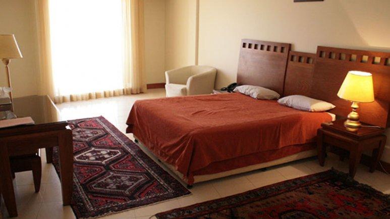 اتاق دو تخته دبل هتل بزرگ زنجان