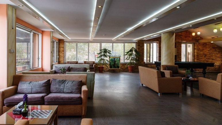 لابی هتل میگون