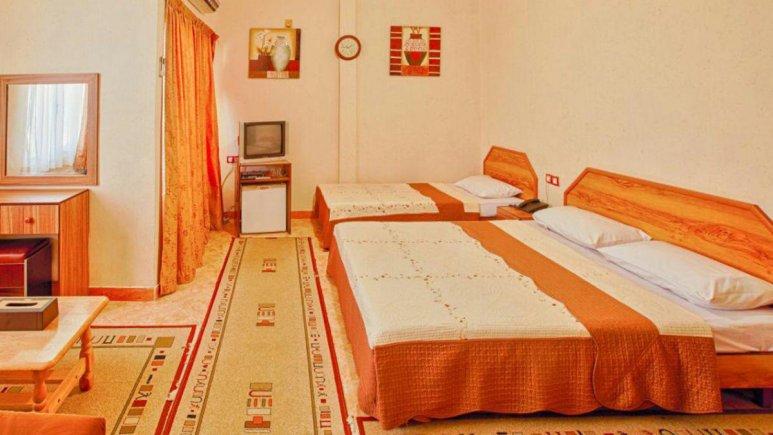 هتل آرام قشم اتاق سه تخته 1
