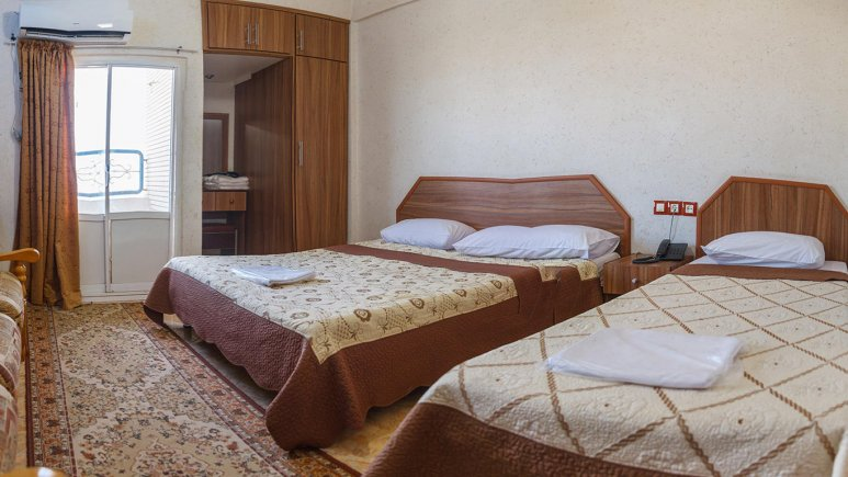هتل آرام قشم اتاق سه تخته 2