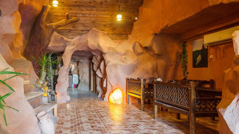 هتل مارینا 2 قشم سفره خانه سنتی 2