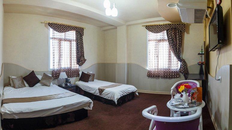 هتل مارینا 2 قشم اتاق سه تخته 2
