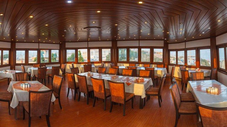 هتل ساحل طلایی قشم رستوران 2