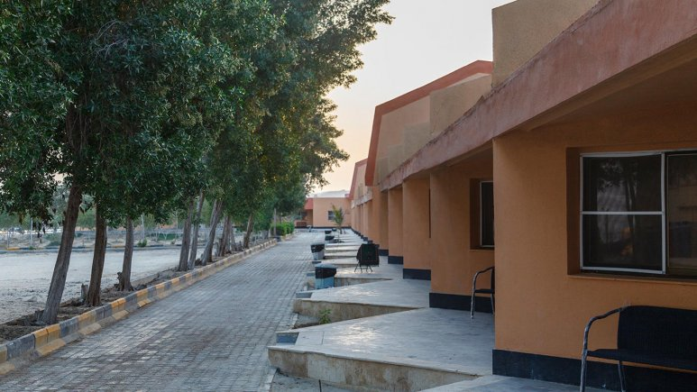 هتل ساحل طلایی قشم فضای بیرونی هتل 2