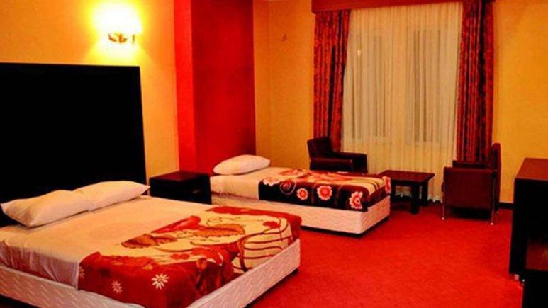 اتاق سه تخته هتل رنگین کمان