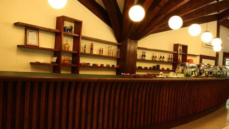 کافی شاپ هتل چالدره