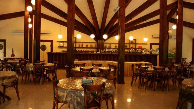 رستوران هتل قو الماس خاورمیانه