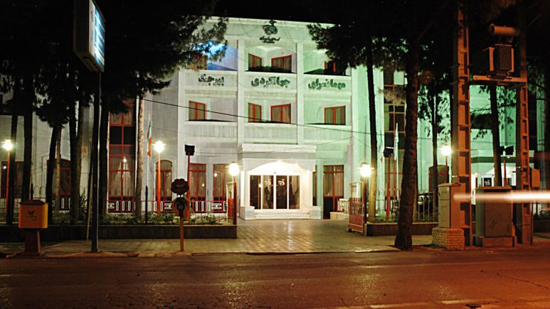 هتل جهانگردی بیرجند در شب