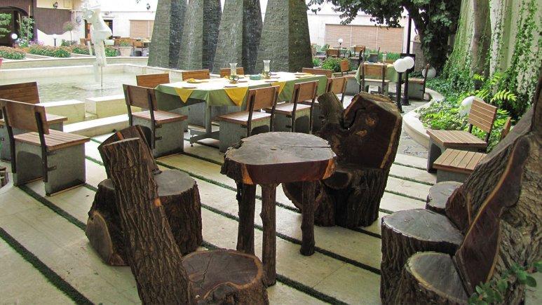 فضای سبز هتل تهران