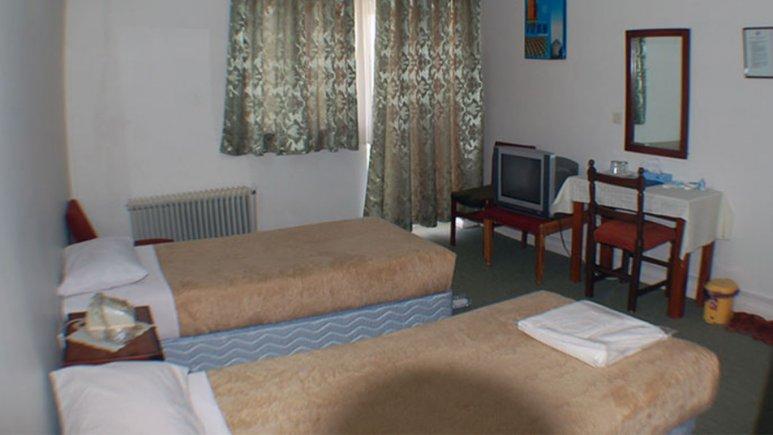 اتاق دوتخته تویین هتل جهانگردی جلفا