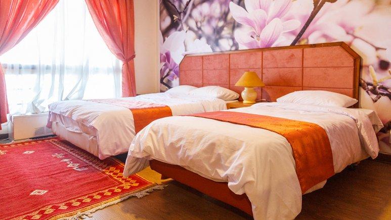 هتل خانه سبز مشهد اتاق سه تخته 1