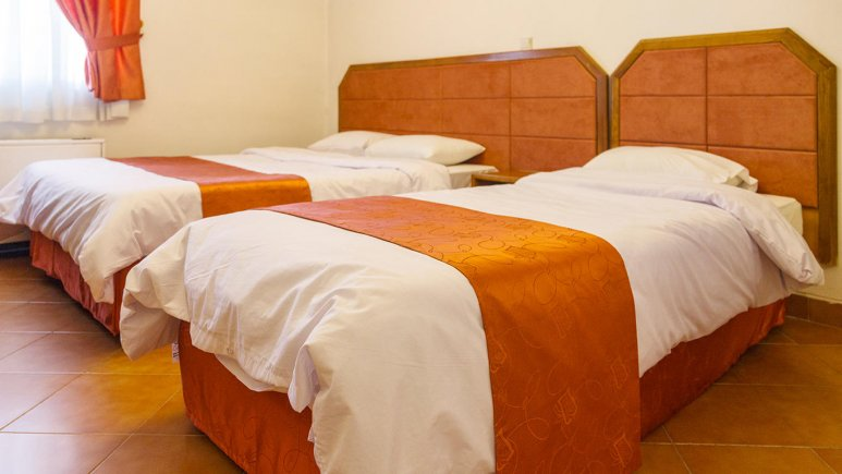 هتل خانه سبز مشهد اتاق سه تخته 2