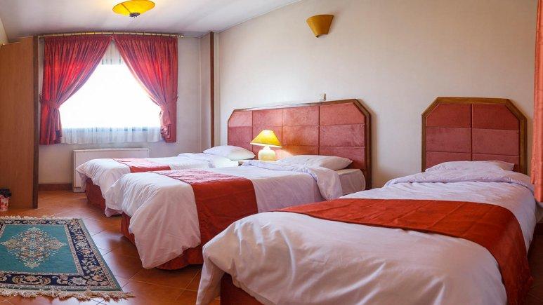 هتل خانه سبز مشهد اتاق سه تخته 5
