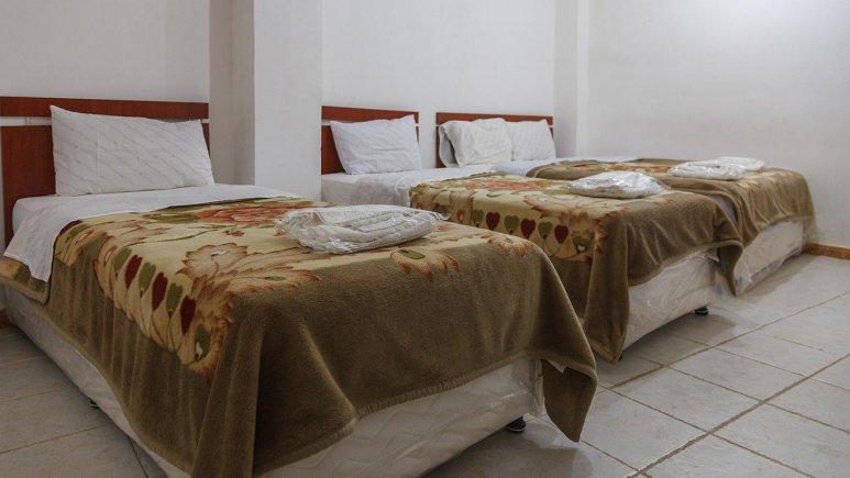 هتل آپارتمان شادناز 1 قشم سوئیت یک خوابه چهار تخته