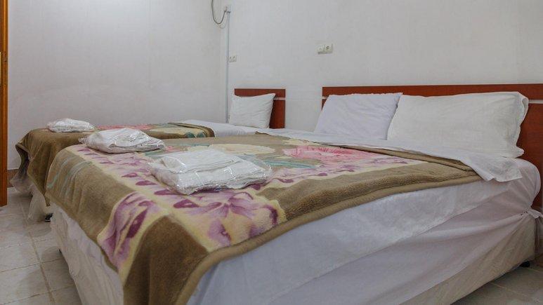 هتل آپارتمان شادناز 1 قشم سوئیت یک خوابه سه تخته