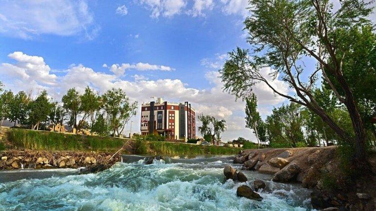 هتل پردیس مبارکه اصفهان نمای بیرونی 2