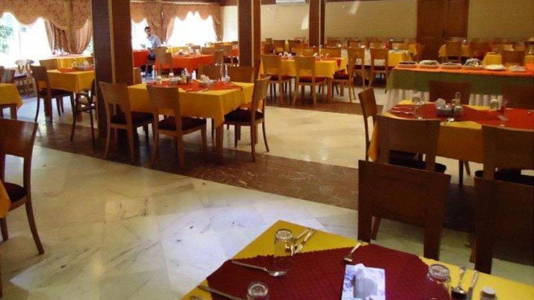 رستوران هتل نهارخوران