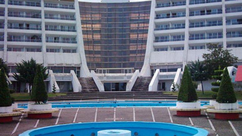 نمای بیرونی هتل هایت