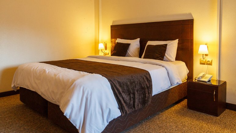 هتل جواهر شرق مشهد اتاق دو تخته دابل 4