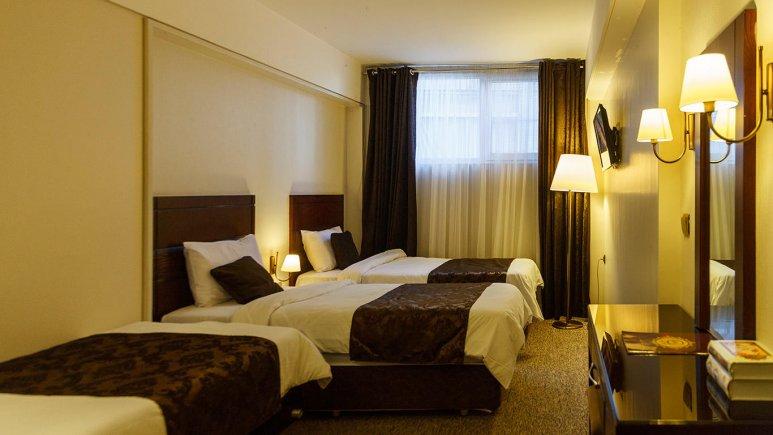 هتل جواهر شرق مشهد اتاق سه تخته 1