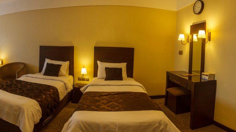 هتل جواهر شرق مشهد اتاق دو تخته تویین