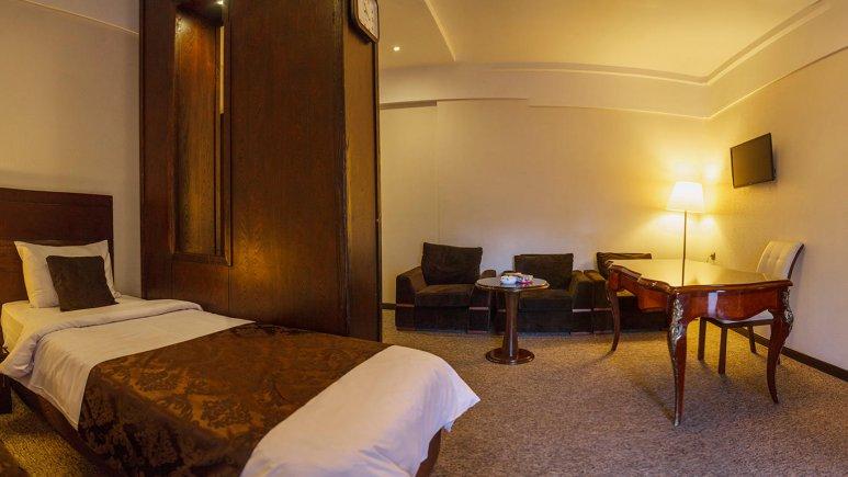 هتل جواهر شرق مشهد سوئیت چهار تخته