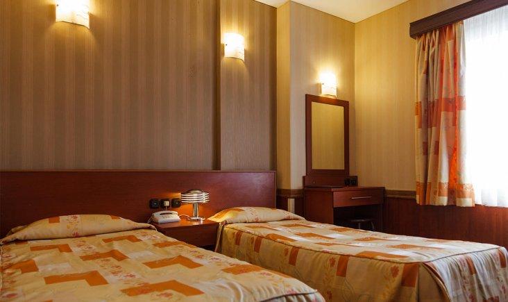 هتل شیراز تهران اتاق دو تخته تویین 1