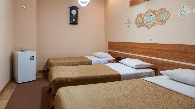 اتاق سه تخته هتل سنتی ابن سینا