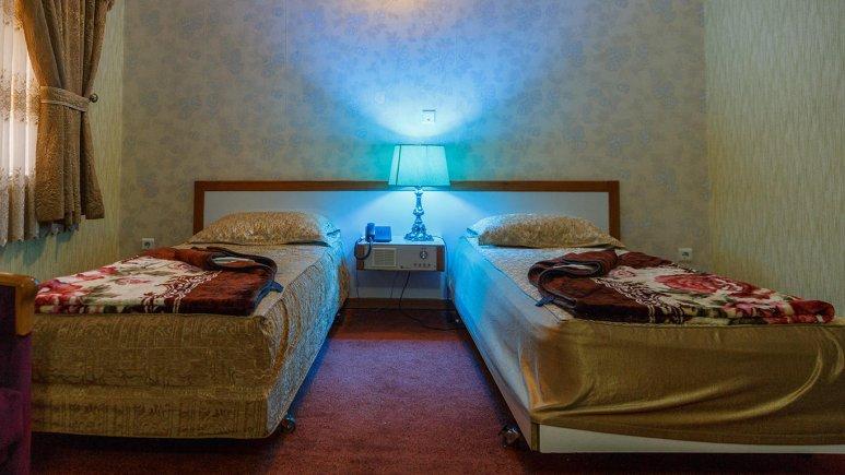 هتل پتروشیمی تبریز اتاق دو تخته تویین